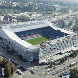LDC - Salomon A Bâle, le stade a été pensé dans un centre commercial