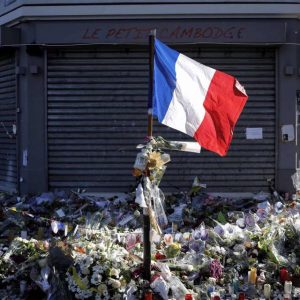 Les images partagées par les joueurs du PSG ce dimanche Hommage aux victimes, on n'oublie pas.