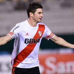 Mercato - L'agent d'Alario confirme l'intérêt du PSG et son envie de rester à River Plate