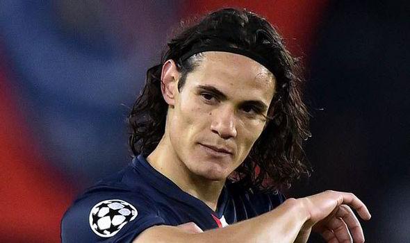 """Cavani """"Si un jour j'ai l'occasion de jouer en Angleterre, je suis sûr que j'en profiterai"""""""