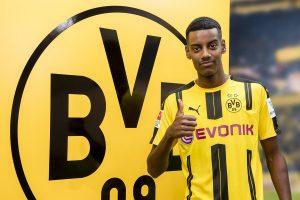 Mercato - Alexander Isak a finalement signé au Borussia Dortmund.jpg
