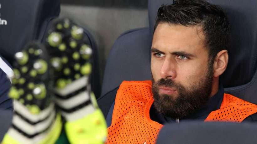 """Sirigu """"risque de déstabiliser le vestiaire"""" avec son salaire et son statut, répond Anderlecht"""