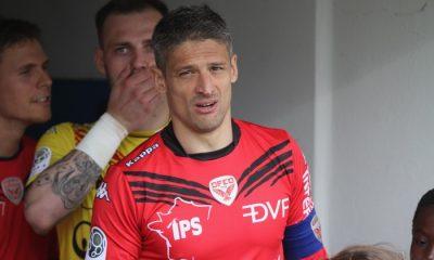 """Ligue 1 - Dijon s'amuse avec les supporters du PSG """"à nos pieds"""""""
