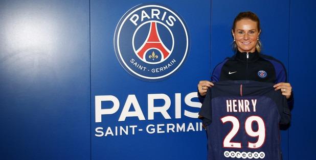 """Féminines - Amandine Henry """"j'ai trouvé un bon compromis à Paris"""""""
