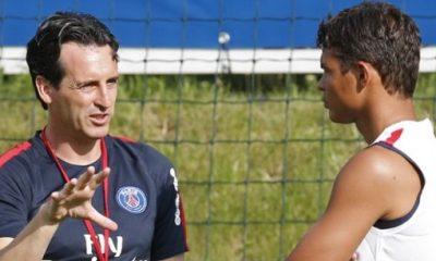 """PSG/Barça - Thiago Silva """"Emery nous a apporté des choses que nous n'avions pas les autres années"""""""