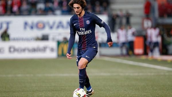 Mercato - Tottenham convoiterait Adrien Rabiot selon le Daily Mirror