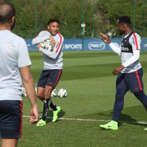 Les images partagées par les joueurs du PSG ce jeudi entraînement avec le sourire !.jpg