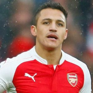 Wenger pense qu'Alexis Sanchez va prolonger à Arsenal et annonce qu'il le garde toute façon