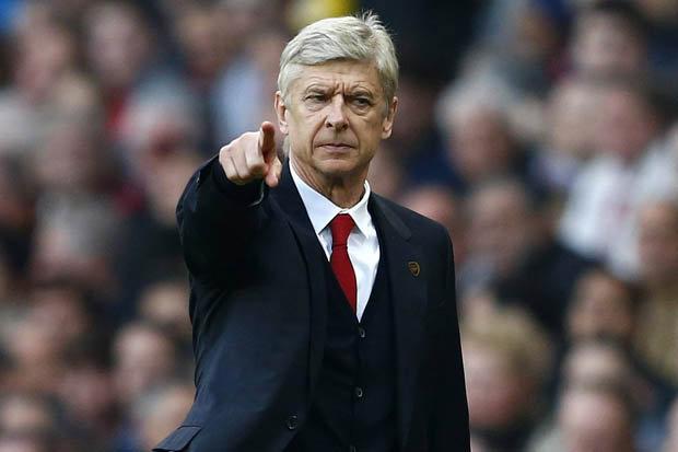 Arsène Wenger, un temps annoncé dans le viseur du PSG, a prolongé à Arsenal