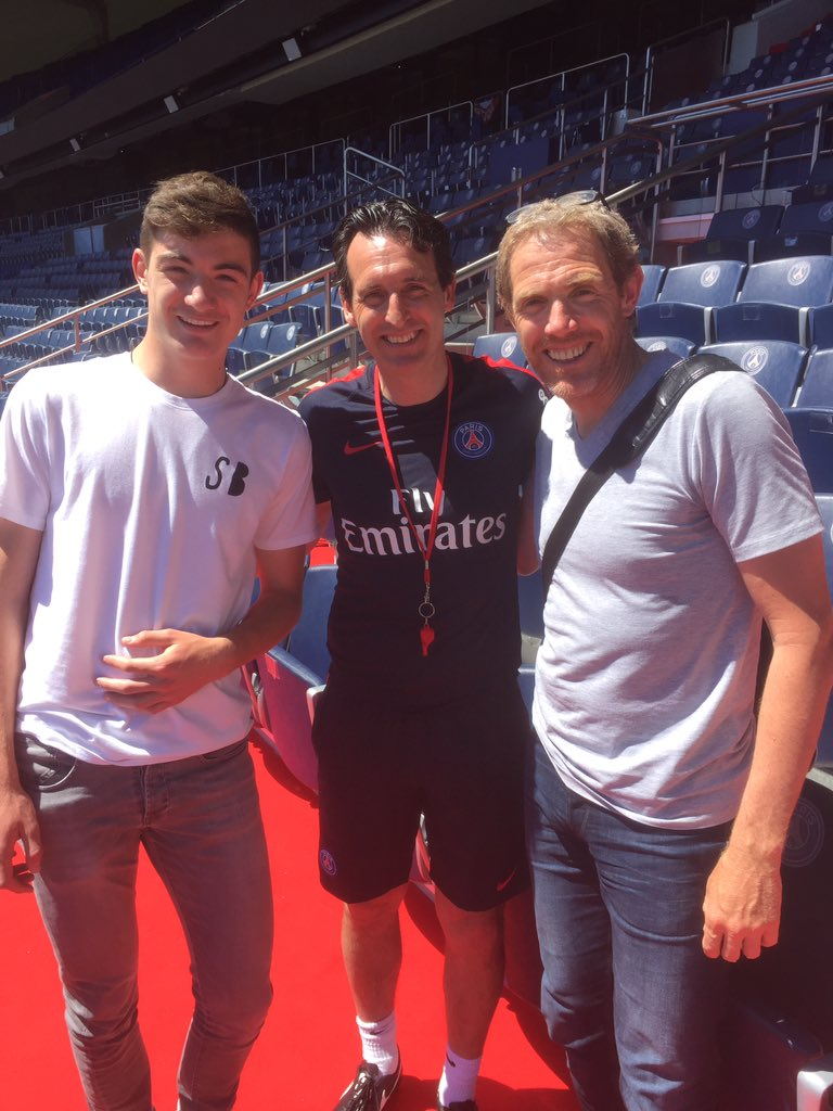 Damien Ott, entraîneur de l'US Avranches, a été invité par Unai Emery à l'entraînement du PSG.jpg