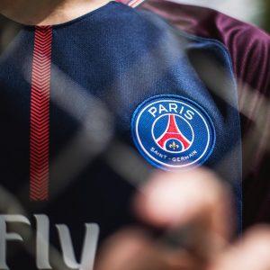 Découvrez de nouvelles images du nouveau maillot du PSG pour la saison 2017-2018