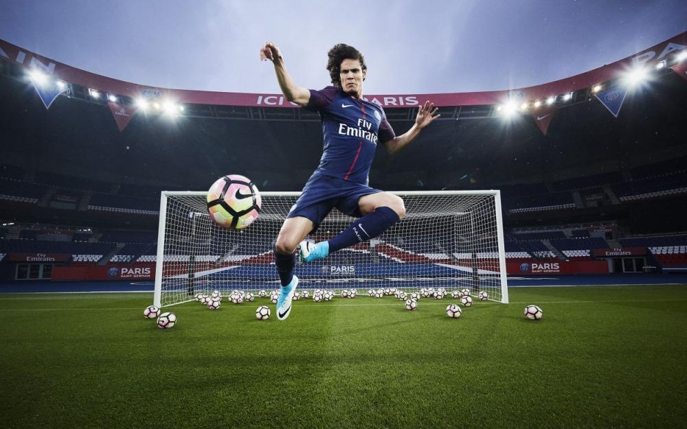 Le Parisien donne des indications sur le nouveau maillot du PSG