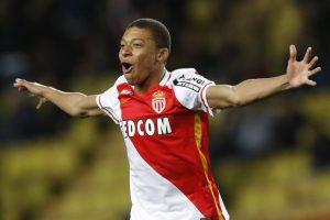 Mercato - Le PSG ferait hésiter Mbappé et proposerait 135 millions d'euros à Monaco, selon Goal