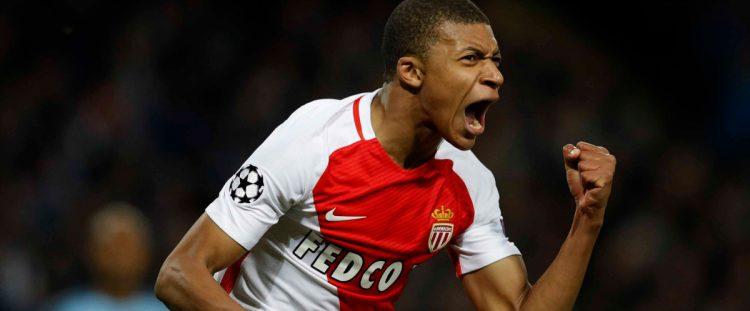 """Mercato - Le PSG """"pourrait finalement"""" tenter sa chance pour Mbappé"""