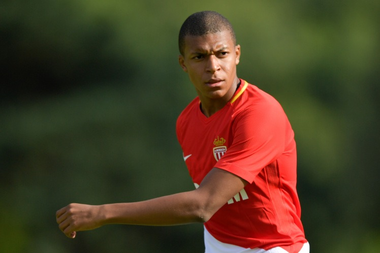 Mercato - Kylian Mbappé, l'AS Monaco menace les clubs qui l'approchent sans accord