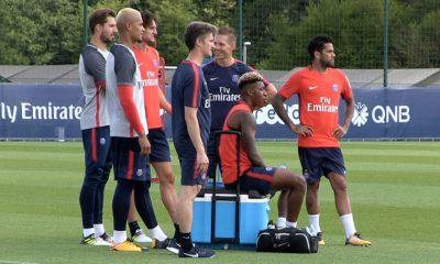 Les internationaux français de retour à l'entraînement du PSG avec Kevin Trapp et Dani Alves
