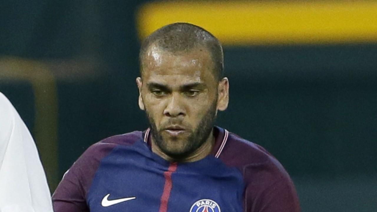 Décès de la tante de Dani Alves, incertain pour PSG/Toulouse