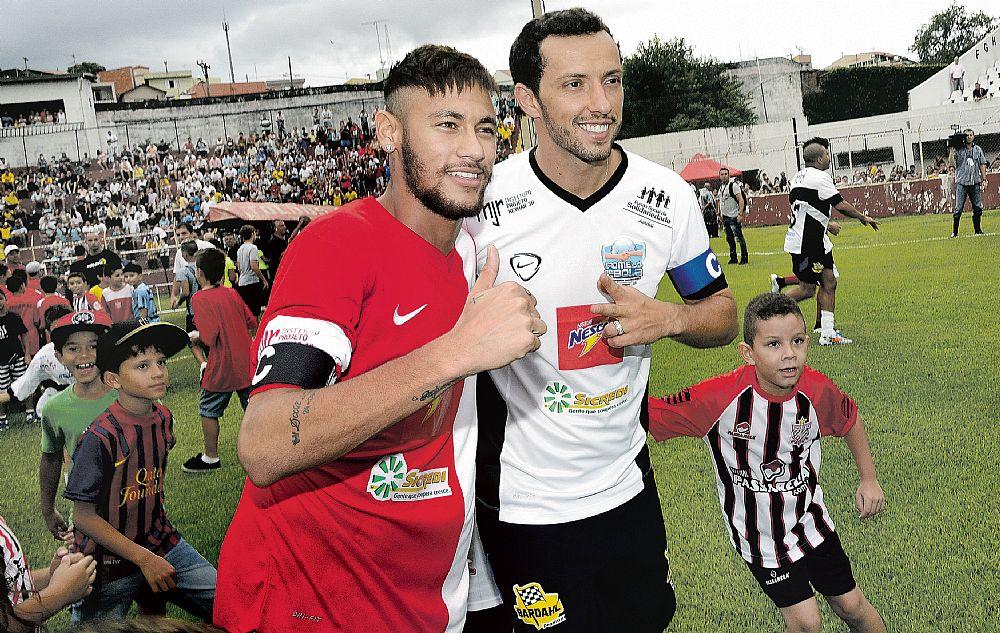 Nenê Neymar a suivi mes conseils et je suis content..je lui ai parlé de la passion des fans