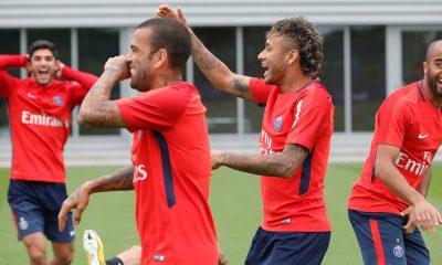 Neymar «J'aime l'idée que nous étions tous ensemble au Brésil et que nous nous retrouvons ici à Paris»