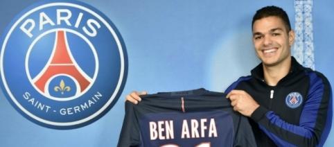 Ben Arfa publie une photo avec des joueurs de l'équipe réserve du PSG, avec un grand sourire