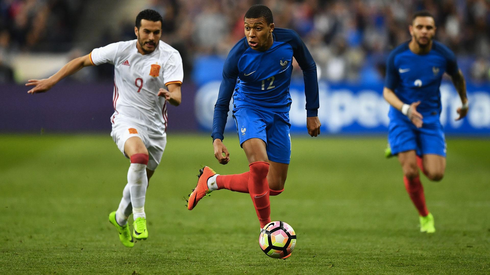 France/Luxembourg - Kurzawa titulaire, Mbappé pour la première fois