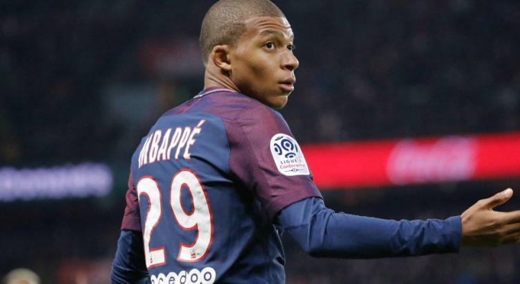 Kylian Mbappé a des douleurs à la cheville gauche, mais rien d'inquiétant, selon RMC
