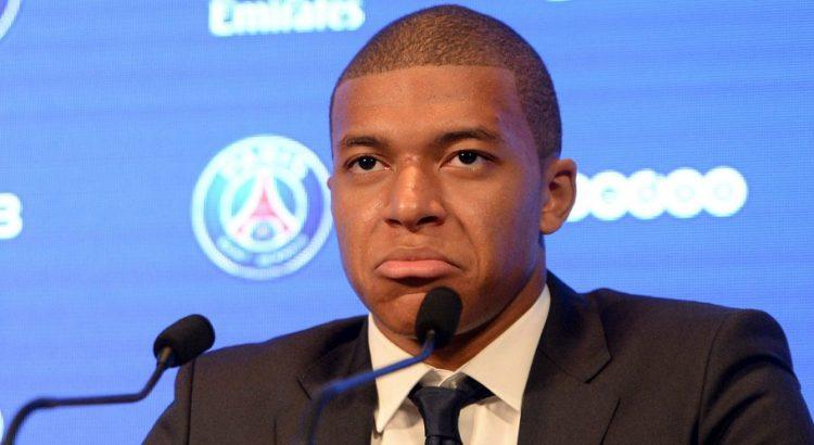 """Mbappé """"Mes objectifs avec le PSG sont tellement élevés que je n'ai pas le temps de m'éparpiller"""""""