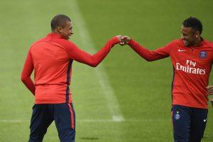 MetzPSG - Les équipes officielles Paris en 4-2-3-1 avec Mbappé, Neymar, Draxler et Cavani