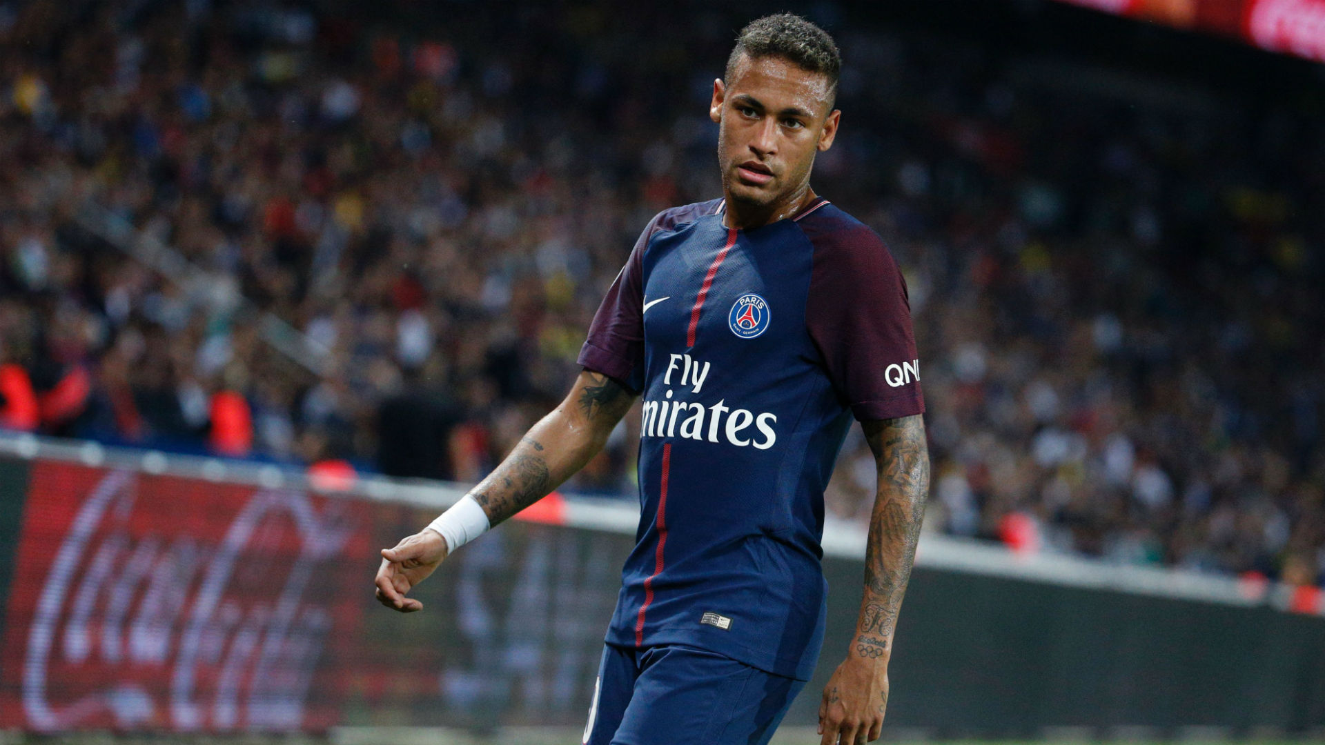 """Roche : Neymar """"il vit aussi par les stats et ça, ce n'est pas collectif"""""""