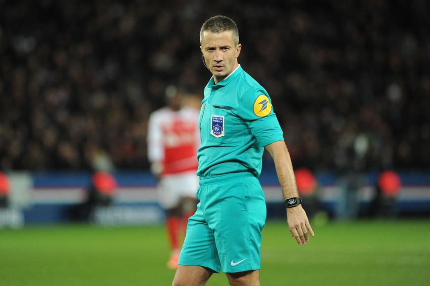 Dijon/PSG - L'arbitre de la rencontre a été désigné, une tendance au jaune mais très peu de rouge