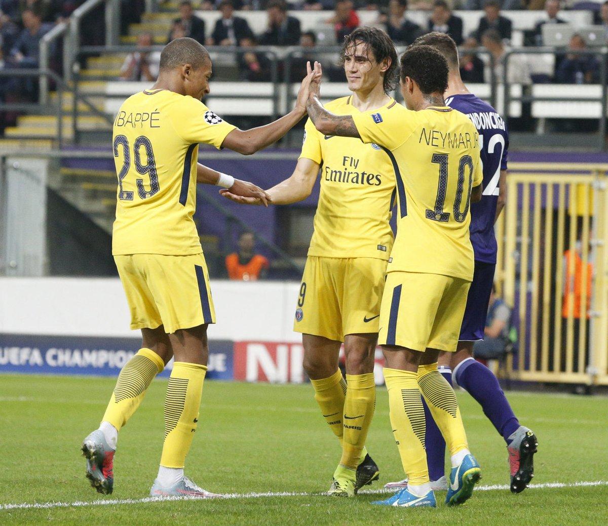 AnderlechtPSG - En marquant, Mbappé et Cavani se font une place dans l'histoire du football.jpg