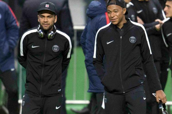 Dani Alves Mbappé me fait penser à Thierry Henry...c'est un très grand joueur