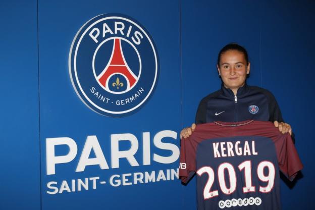 Léa Kergal signe son premier contrat professionnel au PSG, c'est officiel et une grande fierté