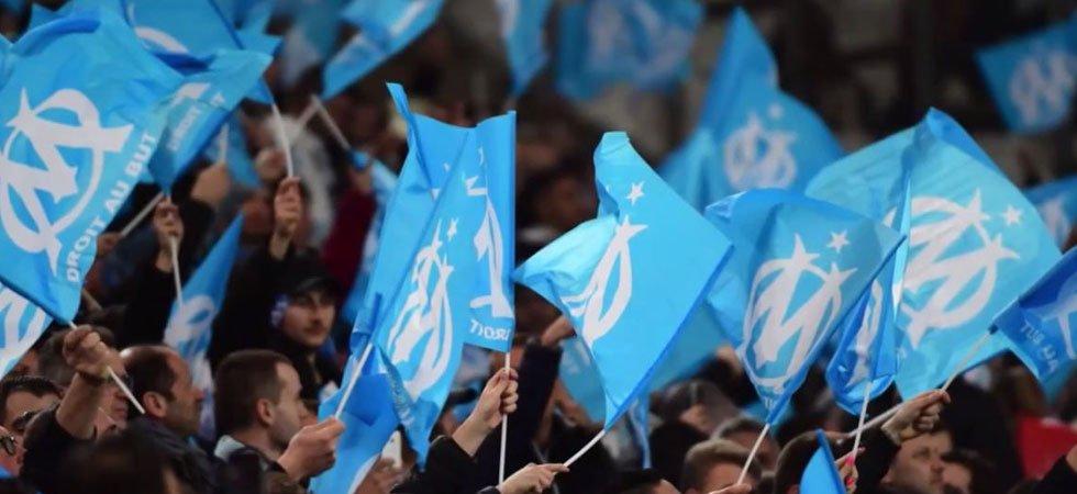 OM/PSG - Affrontements entre supporters marseillais et CRS aux abords du Vélodrome