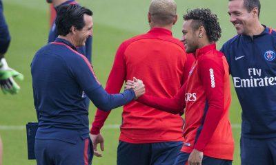 """AS fait la leçon à L'Equipe pour l'adaptation entre Neymar et Emery """"plus 'sexy' de parler de polémiques"""""""