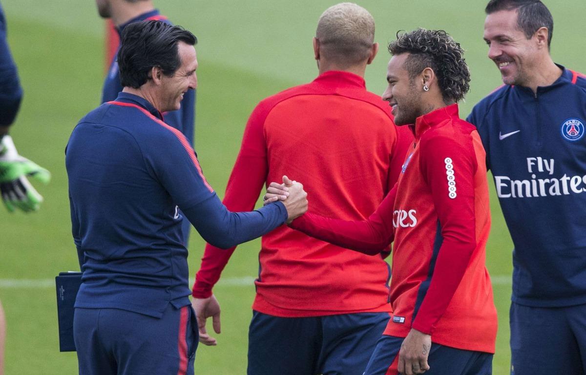 AS fait la leçon à L'Equipe pour l'adaptation entre Neymar et Emery plus 'sexy' de parler de polémiques