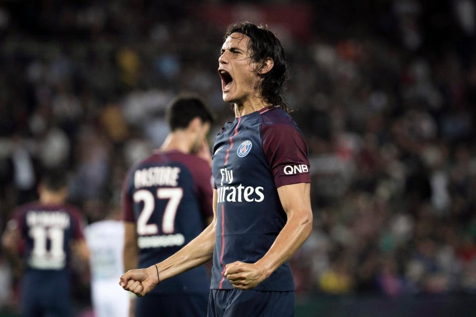 Cette fois, Edinson Cavani a réussi à être le 1er joueur du PSG à mettre 3 doublés de suite en Ligue 1