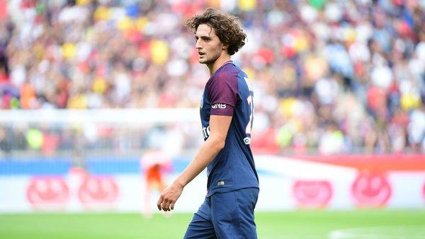 La prolongation d'Adrien Rabiot n'avance pas, mais le PSG ne s'inquiète pas, indique Le Parisien