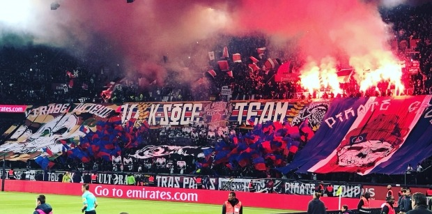 Ligue 1 - Ambiance, fumigènes et tensions, Le Parisien évoque le cas des supporters en France