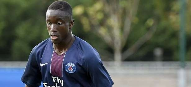 Moussa Diaby Heureux de vous annoncer la signature de mon premier contrat pro au PSG