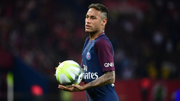 Neymar Toutes ces histoire sur moi me font mal. Je vous demander d'arrêter