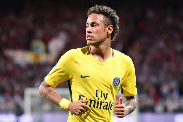 Neymar n'a pas déménagé selon RMC, mais le PSG s'occupe bien de lui