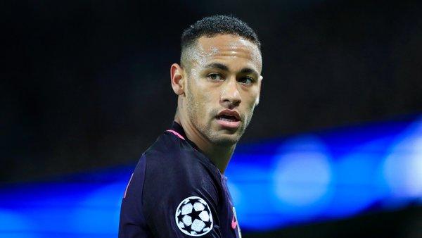 Neymar tout a changé radicalement dans sa vie, explique un journaliste d'UOL Esporte