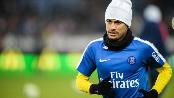 Neymar a réglé ses problèmes familiaux et rentre demain à Paris, selon L'Equipe
