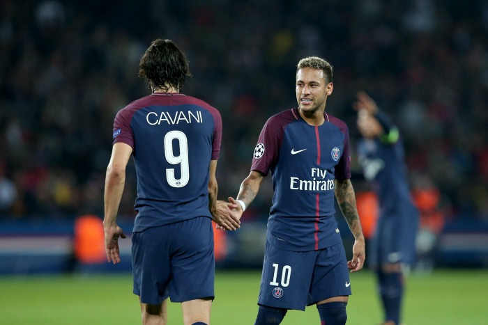 Cavani n'en veut pas à Neymar et le PSG ne va pas s'attarder sur ce penalty, indique RMC