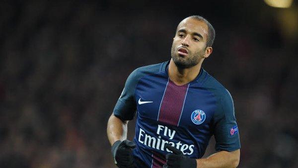 Le FC Nantes a salué Lucas Moura en marge de la rencontre face au PSG