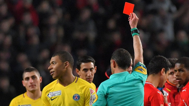 Le rouge de Kylian Mbappé jugé jeudi 8 janvier plutôt que cette semaine