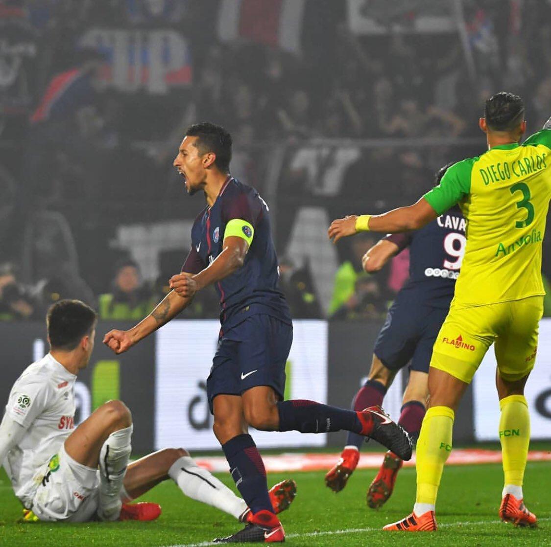 Les images du PSG ce lundi célébrations de victoire et Neymar qui humilie à l'entraînement.jpg