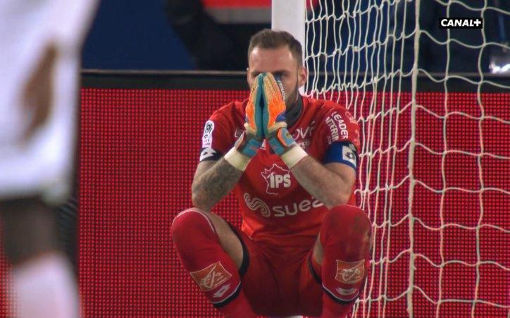 """PSG/Dijon - Reynet """"Des poussins contre des seniors...j'avais honte d'être sur le terrain"""""""
