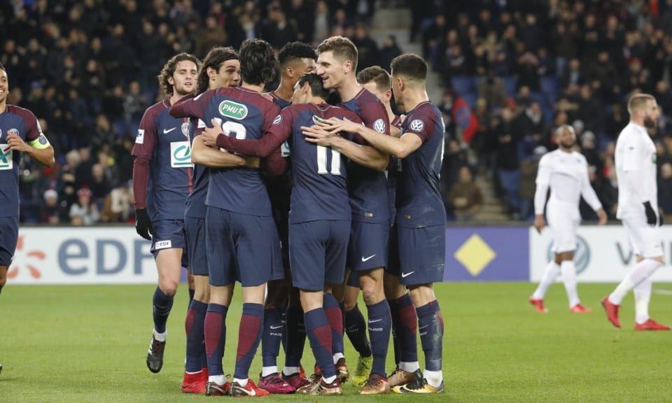 PSGGuingamp - Les notes des Parisiens dans la presse Cavani en flop, Di Maria homme du match.jpg